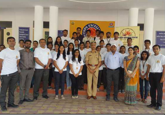 Team of Embedded Creation with Dr. Venkatesham, Commissioner of Police, Nagpur – Launch of Pilot Version of S.E.V.A. system in 2017.